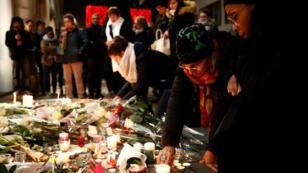 Decenas de personas realizaron una actividad el 13 de diciembre para honrar la memoria de las víctimas de los ataques de Estrasburgo.