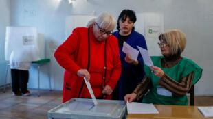 Centro de votación para las elecciones presidenciales en Tiflis. 28 de octubre de 2018.