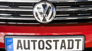 Les constructeurs automobiles allemands Volkswagen, Daimler et BMW sont accusés d'avoir mené des tests d'émission de diesel sur des singes et des humains.