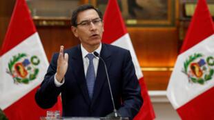 El presidente de Perú, Martín Vizcarra, ofrece un mensaje a la nación este viernes, en Lima, Perú, el 27 de septiembre de 2019.