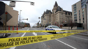 CANADA POLICE TAPE