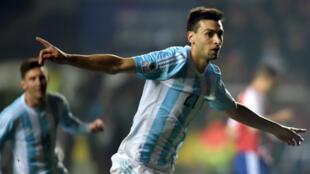 Enfin titulaire avec l'Argentine, Javier Pastore brille au Chili aux côtés de Messi.