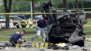 المحققون في موقع إطلاق النار في تكساس