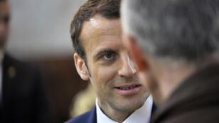 """Lors de son séjour en Algérie, Emmanuel Macron a qualifié la colonisation de """"vraie barbarie""""."""
