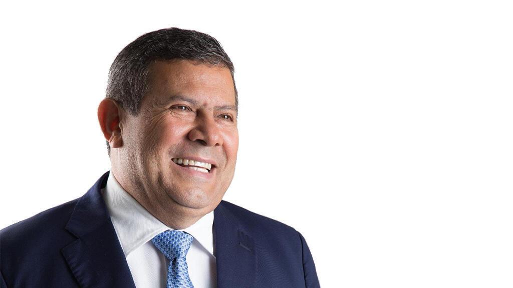 Además de ser candidato presidencial por el partido Vamos, Alvarado, un ingeniero agrónomo, fundó Río Grande Foods, empresa que exporta bebidas y alimentos étnicos desde El Salvador.