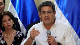 El presidente de Honduras y candidato del Partido Nacional, Juan Orlando Hernández, se dirigió a los medios en la Casa Presidencial en Tegucigalpa, Honduras, el 6 de diciembre de 2017.