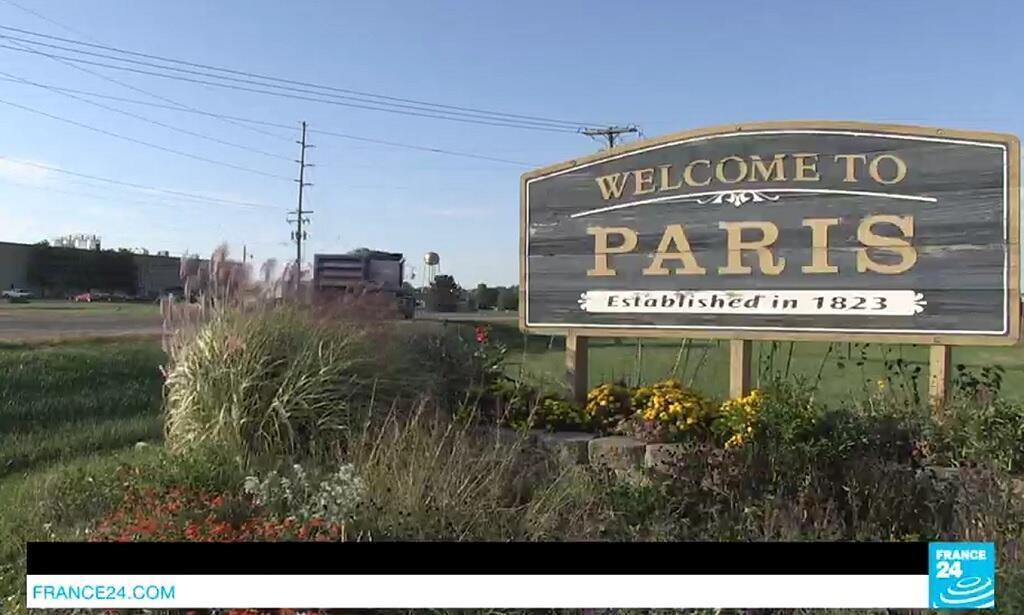 مدينة باريس تقع في ولاية إلينوي، في وسط غرب الولايات المتحدة