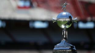 El trofeo de la Copa Libertadores dentro del Estadio Monumental en Buenos Aires. 25 de noviembre de 2018.