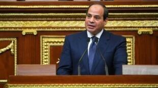صورة وزعتها الرئاسة المصرية في 2 حزيران/يونيو للرئيس عبد الفتاح السيسي أثناء خطابه عند أداء اليمين الدستورية لولاية ثانية.