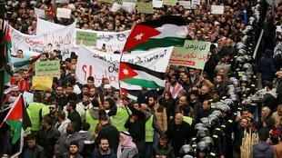 2020-01-17T143322Z_767081131_RC2QHE9PCYS9_RTRMADP_3_JORDAN-ISRAEL-GAS-PROTEST