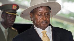 Ugandan President Yoweri Museveni arrives in Dar es Salaam on May 13 , 2015 for a crisis summit on Burundi.