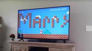 Un geek fait sa demande en mariage dans Super Mario.