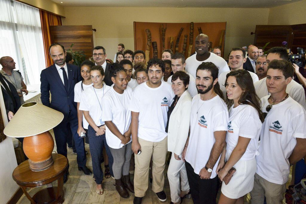 Ces jeunes Néo-Calédoniens ont été désignés, le 2 décembre à Nouméa, pour mobiliser les citoyens à s'inscrire sur les listes électorales en vue du référendum de novembre 2018.