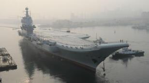 """""""Type-001A"""" a appareillé pour des essais en mer, dimanche 13 mai 2018."""