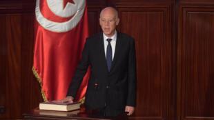 الرئيس التونسي قيس سعيد يؤدي اليمين الدستورية