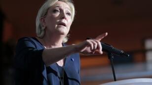 Marine Le Pen lors d'un discours à Ajaccio, le 8 avril 2017.