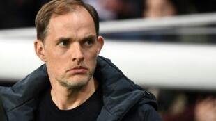L'entraîneur du PSG Thomas Tuchel suit le match contre Strasbourg en L1 au Parc des Princes, le 7 avril 2019