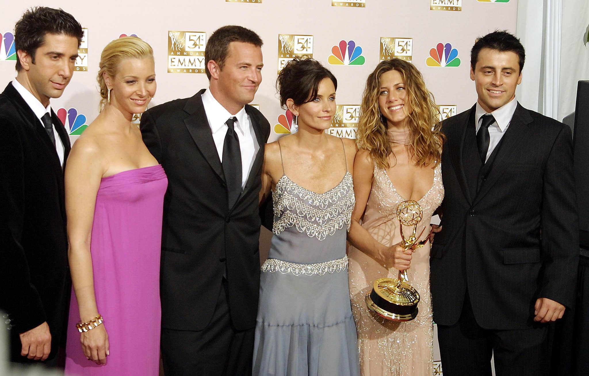 """Les six acteurs principaux de la série """"Friends"""", en septembre 2002 à Los Angeles"""