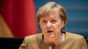 المستشارة الألمانية أنغيلا ميركل خلال اجتماع أسبوعي للحكومة في مقر المستشارية في برلين في 25 تشرين الثاني/نوفمبر 2020