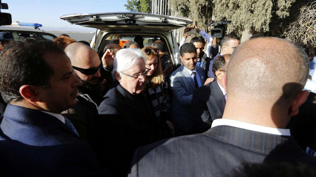El enviado especial para Yemen, Martin Griffiths, a su llegada al Aeropuerto Internacional de Saná, Yemen, el 5 de enero de 2019.