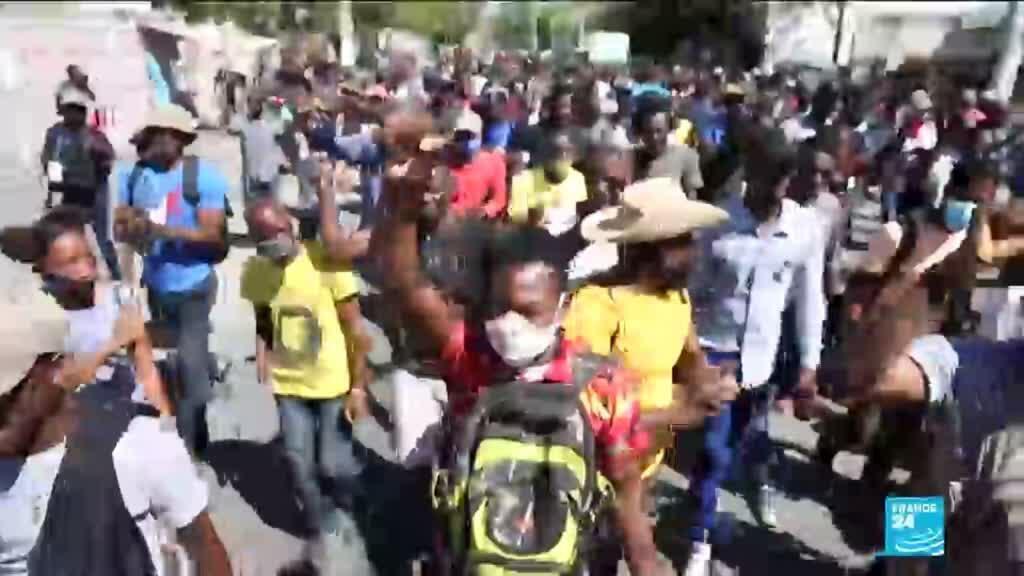 2021-02-11 10:37 Crise constitutionnelle en Haïti : la police réprime une manifestation d'opposants