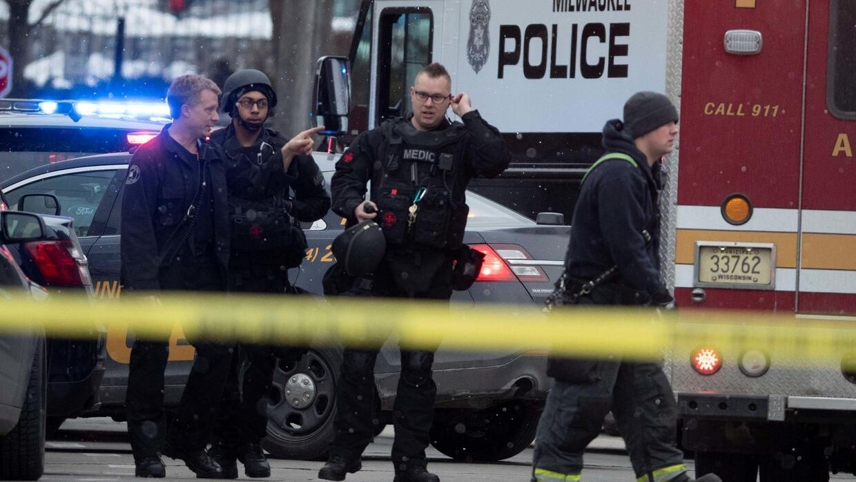 Gunman kills five employees at Wisconsin brewery before taking his own life