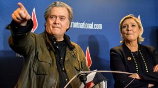 Steve Bannon et Marine Le Pen lors du congrès du Front national à Lille, samedi 10 mars 2018.