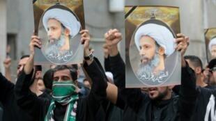 متظاهرون شيعة في القطيف تنديدا بإعدام الشيخ النمر 8 يناير 2015