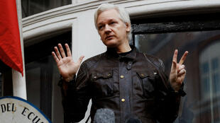 Julian Assange vit réfugié à l'ambassade d'Équateur à Londres depuis 2012.