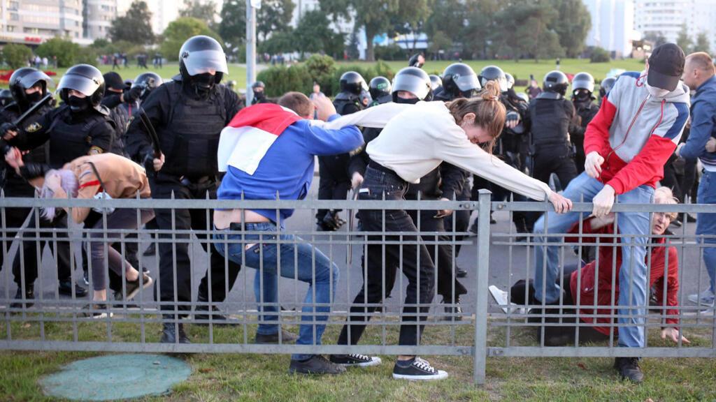 """الاتحاد الأوروبي يرفض الاعتراف بلوكاشينكو رئيسا لبيلاروسيا لافتقاده """"الشرعية الديمقراطية"""""""
