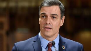 Le Premier ministre espagnol Pedro Sanchez après sa rencontre avec la maire de Barcelone, Ada Colau, à Barcelone, le 7 février 2020.