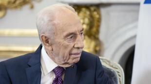 Shimon Peres à l'Élysée, le 25 mars 2016.