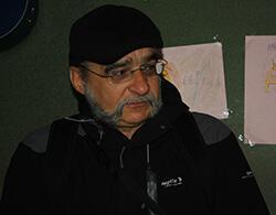 Detlev Kretschmann has lived in Kreuzberg for 65 years. (Photo: FRANCE 24)