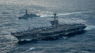 قطع من البحرية الأمريكية تتجه إلى مياه شبه الجزيرة الكورية