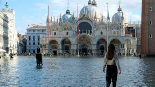 La place Saint-Marc inondée, à Venise, le 14novembre2019.