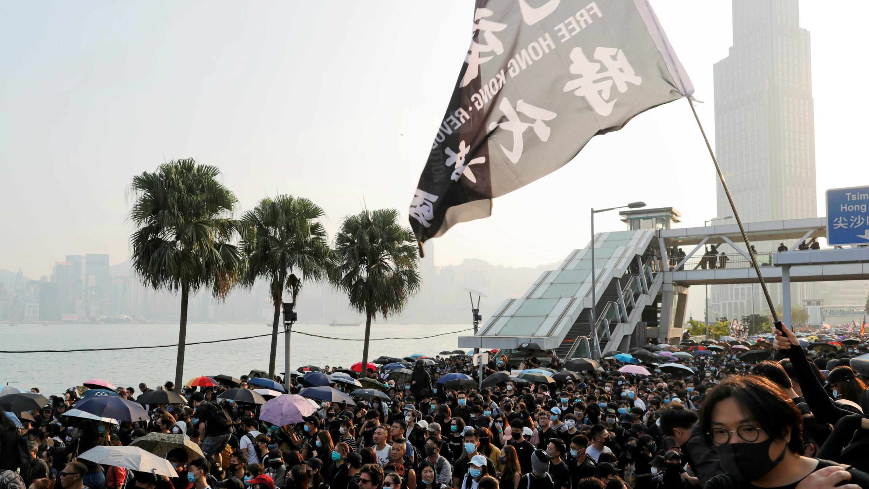 Hong Kong manifetation contre tir gaz lacrimogène