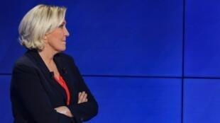 Marine Le Pen avant un débat sur BFMTV à Paris le 20 mars 2019