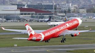 """طائرة تابعة لشركة """"إير آسيا"""" الماليزية"""