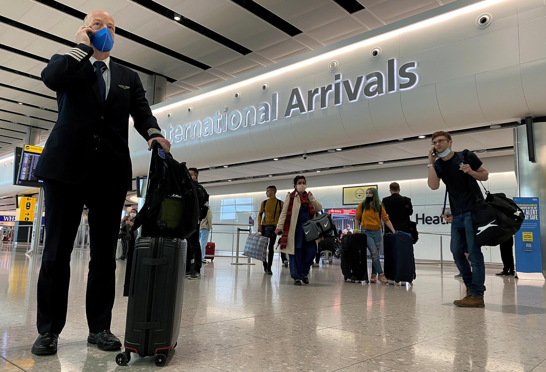 Londres lève ses mesures de quarantaine pour quelque soixante-dix pays et territoires d'outre-mer.