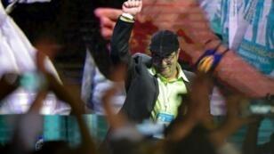 Raul Arboleda, AFP   FARC leader Rodrigo Londono Echeverri, known as 'Timochenko', salutes during the opening of their National Congress in Bogota on August 27, 2017.