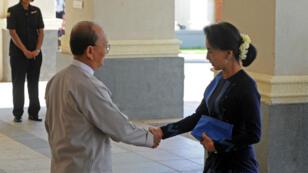Le président Thein Sein et Aun San Suu Kyi se sont rencontrés vendredi 31 octobre à Naypyidaw, la capitale birmane.