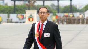 El presidente peruano Martín Vizcarra participa en la ceremonia central por el día del Ejército del Perú y el 194° aniversario de la batalla de Ayacucho, Perú, el 5 de diciembre de 2018.