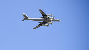 Un bombardier Tu-95MS des forces armées russes survolant Moscou, le 7 mai 2019 (archives).