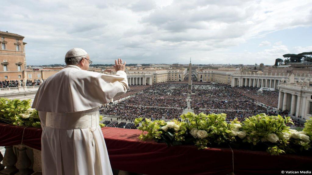 El papa Francisco en la plaza de San Pedro, en la celebración de la Pascua, 1 de abril 2018.