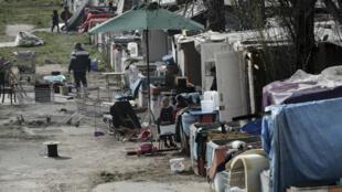 Integrantes de la comunidad romaní en Francia que fueron atacados el 25 de marzo solicitaron a las autoridades francesas mayor protección.