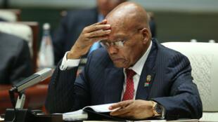 Jacob Zuma, le président sud-africain, risque la réouverture d'un dossier de corruption vieux d'une dizaine d'années.