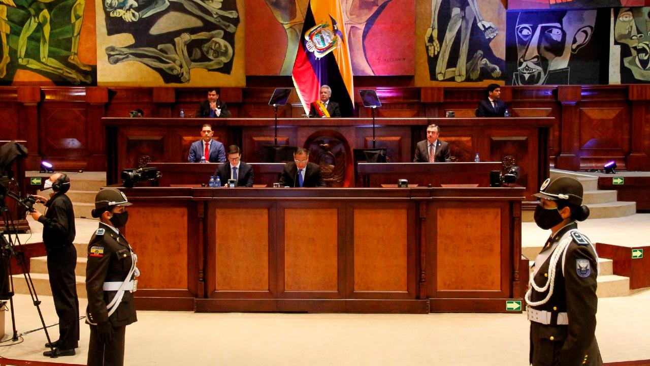 El presidente de Ecuador, Lenín Moreno, realiza su discurso sobre el informe del Estado de la nación, con fuertes medeidas de seguridad condicionadas por la pandemia.