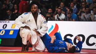 Le judoka français multiple champion du monde Teddy Riner après avoir battu l'Autrichien Stephan Hegyi au Tournoi de Paris le 9 février 2020 à Paris