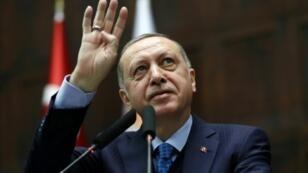 Le président turc Recep Tayyip Erdogan en meeting, le 24 avril 2018 à Ankara