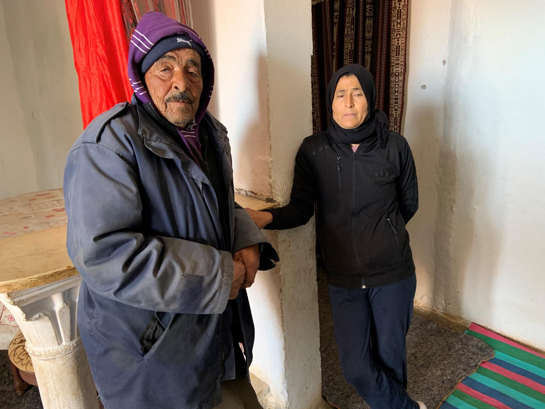 © طاهر هاني فرانس24 |مبروكة حويج أم لستة أطفال، واحد منهم مصاب بشلل في رجليه ولا يستطيع الوقوف. حاولت أن